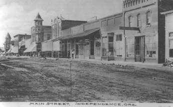 Downtown Independence, Oregon just before the start of World War I.