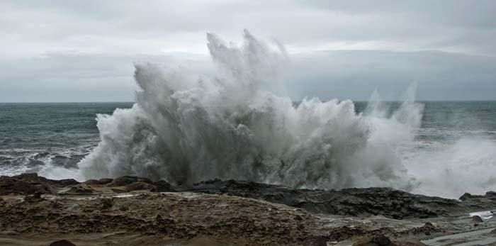 Crashing Waves Cape Arago Sea Grant edited web