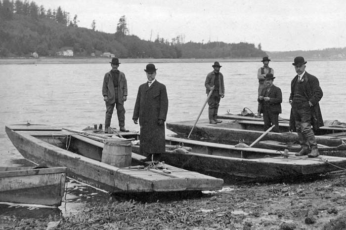 Yaquina Bay oystermen in 1890. Photo from Lincoln County Historical Society.